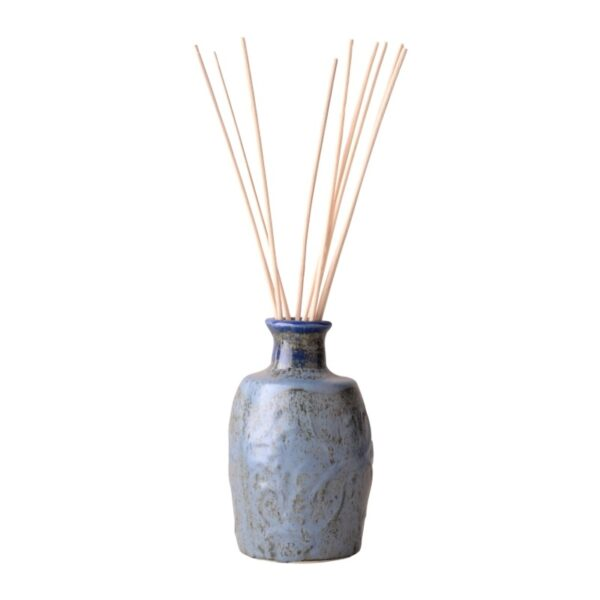 French Country Home reed diffuser ceramic vase with 100ml refill in rejected onion bag 1