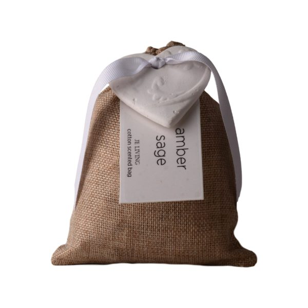 JE-Living-cotton-scented-bag-with-ceramic-heart