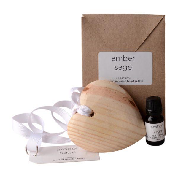 JE-Living-wooden-scented-heart-on-ribbon-11ml-fragrance-oil-gift-bag